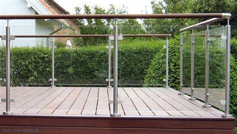 terrasse mit geländer uden hyldekn 230 gte