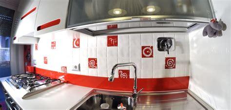 piastrelle cucina rosse beautiful piastrelle cucina rosse images ideas design