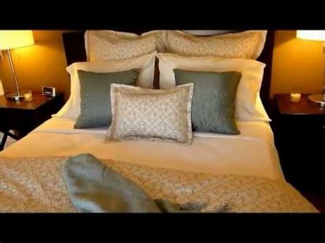 how to make your bed like a hotel how to make a bed youtube