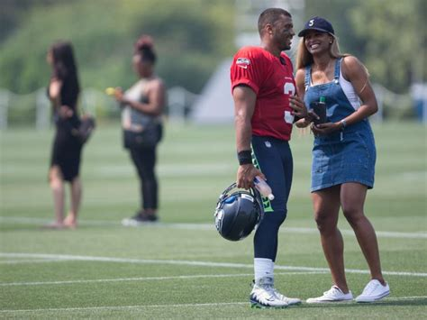 ciara is dating seattle seahawks quarterback russell ciara posts half naked photos taken by russell wilson
