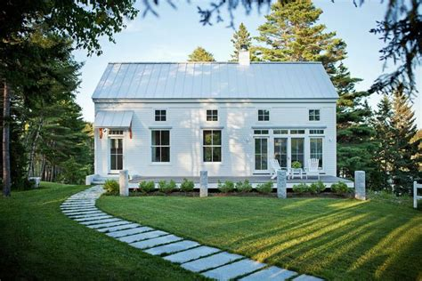 new england farmhouse architectural bliss pinterest 25 best ideas about new england cottage on pinterest