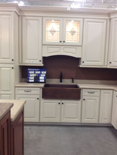 Shenandoah Cabinets Lowes by 137 Best Images About Kitchen On Rustic