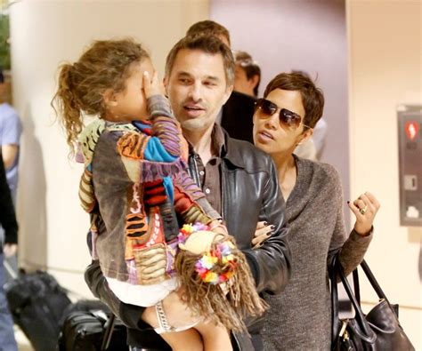 Lepaparazzi News Update Olivier Martinez Three Times by Is Halle Berry With Olivier Martinez Lainey