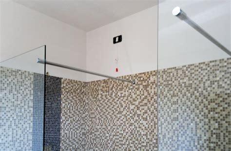 paraschizzi per vasca da bagno paraschizzi bagno fabulous immagini vasche da bagno