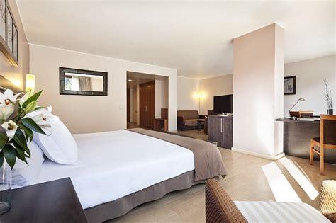 hotel en andorra con en la habitacion habitaciones hotel acta arthotel andorra