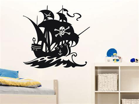 wandtattoo kinderzimmer junge piraten wandtattoo piratenschiff seer 228 uber schiff wandtattoos de