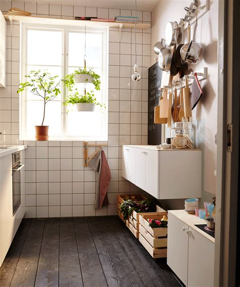 How I Met Your Mother Apartment make the most of a tiny kitchen