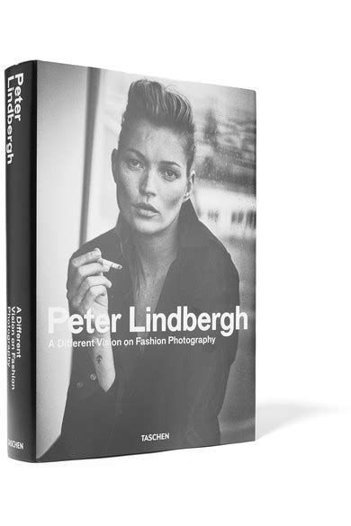 libro peter lindbergh a different taschen peter lindbergh a different vision on fashion photography by thierry maxime loriot