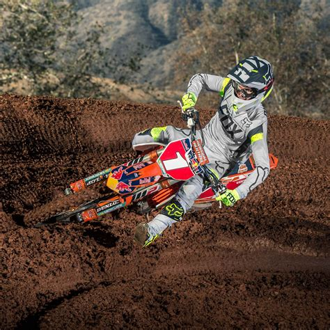 motocross news fox a1 kroma le gear product spotlight motocross mtb