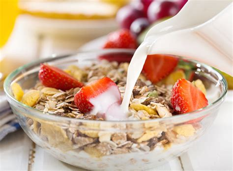cereal before bed the 30 best and worst foods to eat for sleep eat this