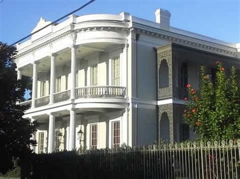 Garden District Tour Doubloon Tours New Orleans History And Heritage Tours