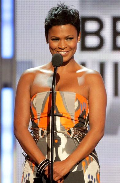 nia long weave styles bet awards hair overview vissa studios