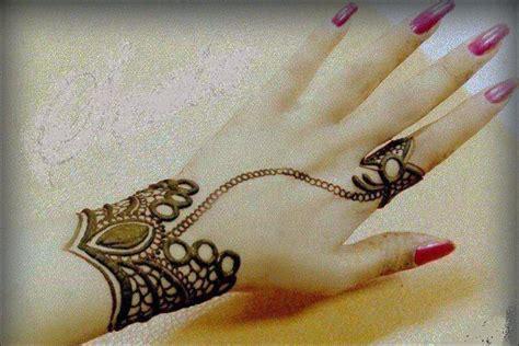 Ring Mehndi Design: 15  Ring Mehndi Designs For Your Fingers