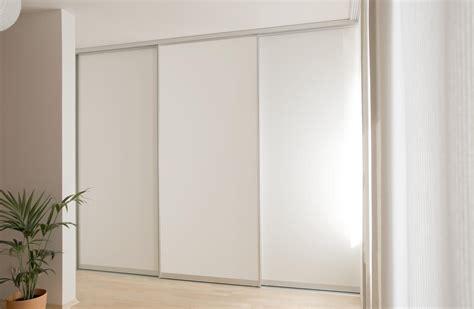 kleiderschrank mit platz für fernseher flur einrichten mit ikea