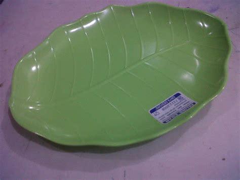 Piring Melamin Bentuk Daun P3714 lepek daun melamin selatan jaya agen distributor plastik