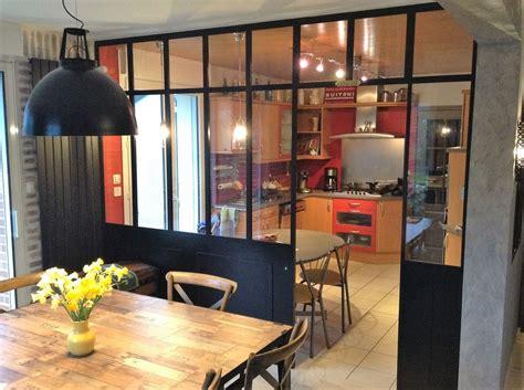vitre pour table de cuisine vitre separation cuisine cloison coulissante suspendue