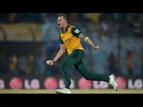 how to swing the ball like dale steyn watch dale steyn overrule aussies with reverse swing