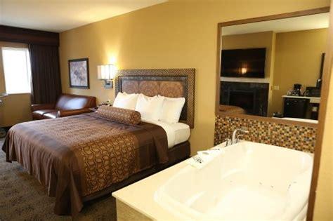 themed hotel rooms in pa kalahari resort an lrb featured resort