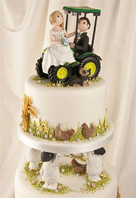 Farm wedding cake   idea in 2017   Bella wedding
