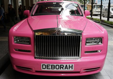 roll royce pink the pink rolls royce phantom the epitome of bad taste
