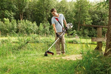 offerte di lavoro come giardiniere decespugliatori attrezzi giardino come utilizzare i