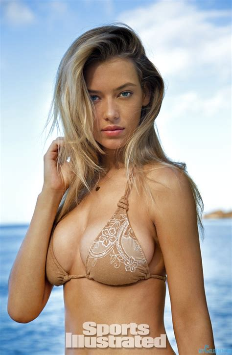 hannah ferguson sports illustrated 2014 body paint hannah ferguson mycelebrity mycelebrity