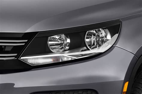 tiguan volkswagen lights 2017 volkswagen tiguan reviews and rating motor trend