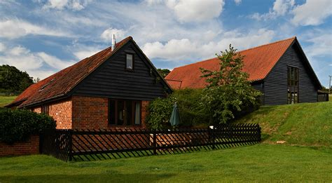 Pet Friendly Cottages In Suffolk by Friendly Self Catering Cottages With Tubs