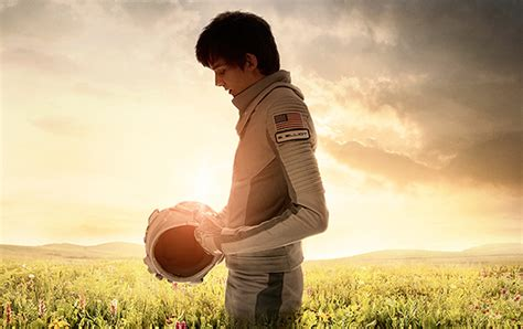 movies coming soon the space between us 2017 space between us trailer and poster released