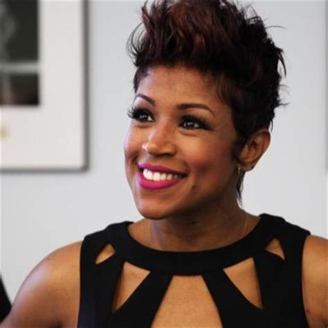 val warner with her natural hair val warner on twitter quot windycitylive sbhmagazine look