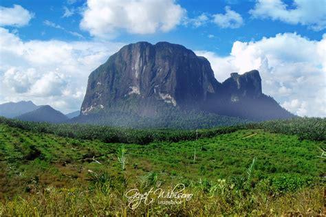 batu daya mountain by gegetlonely on deviantart