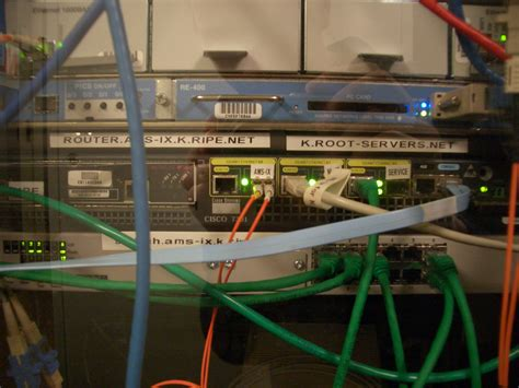 root  server wikipedia