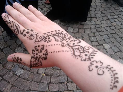 henna tattoo on your hand henna on