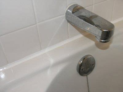 bathroom caulking tools 1000 images about organizing bathroom on pinterest