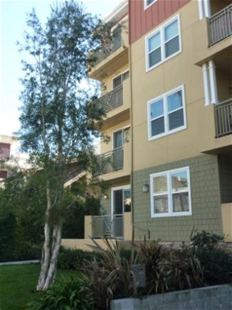 exterior paint colors for apartment buildings exterior color combinations on