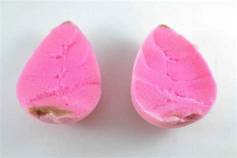 Makeup Sponge Or Blender by How To Clean Your Beautyblender The Right Way Yes You Re