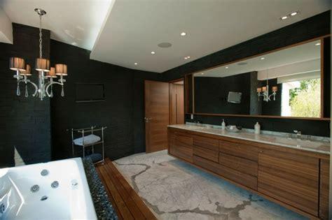 wand kronleuchter schwarz modernes bad mit holz 27 ideen f 252 r m 246 bel boden wand