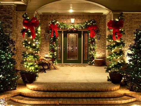 images of christmas outside colorado homes and commercial properties become