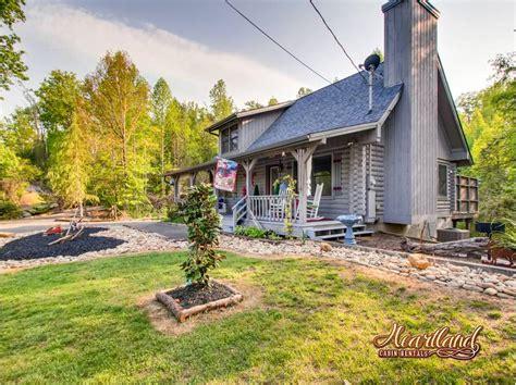 lj s cozy getaway 1 bedroom cabin in gatlinburg tn