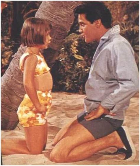 In Paradise Wardrobe by Elvis In The