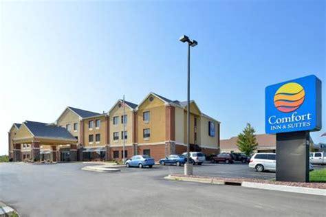 comfort suites kenosha wi comfort inn suites by choice hotels kenosha wi aaa com