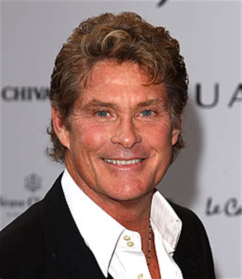 Hasselhoff Battles Boozing Reports by Hoff Brushes Booze Story Extratv