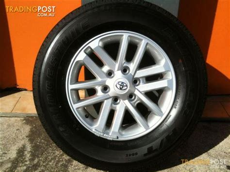 Toyota Wheels For Sale Toyota Hilux 4x4 Sr5 My13 17 Genuine Alloy Wheels For