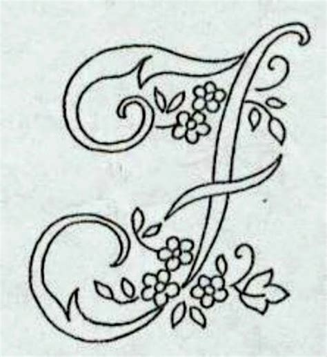 lettere dell alfabeto da ricamare professione donna alfabeto da ricamare con ricamo classico