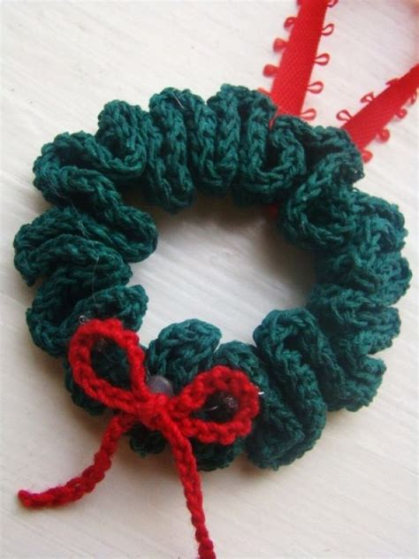 christmas wreath ornament free pattern winter crochet