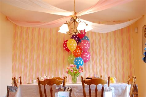 Decorating with streamers and balloons decorating with streamers for more cheerful look home