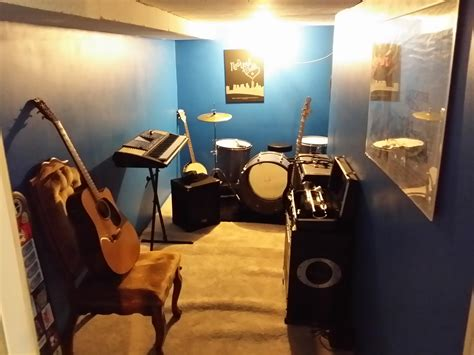 cheap way to soundproof a room how to build your own soundproof rehearsal room when you no idea what you re doing