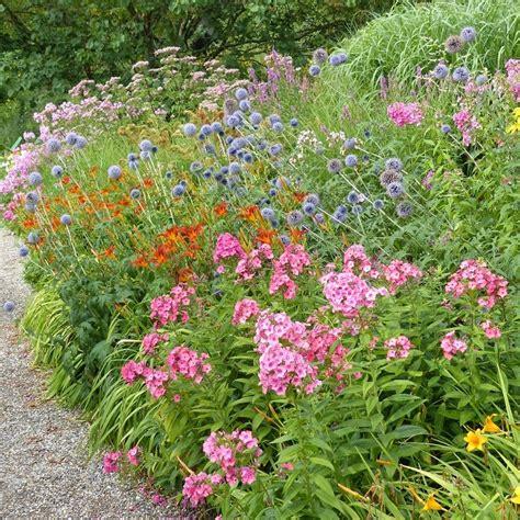 Idee De Jardin by Idee De Massif De Jardin Obasinc