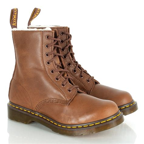 dr martens polynesia boots