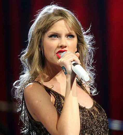 biography taylor swift family taylor swift biography age dob height family career
